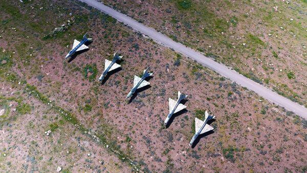 Последствия ракетного удара США по авиабазе Шайрат в Сирии - Sputnik Абхазия