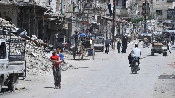 Пригород Дамаска Дума после освобождения от боевиков - Sputnik Абхазия