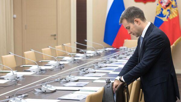 Президент РФ В. Путин провел совещание с членами правительства РФ - Sputnik Абхазия