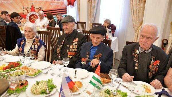 Торжественный прием ветеранов ВОВ в посольстве РФ в Абхазии - Sputnik Абхазия