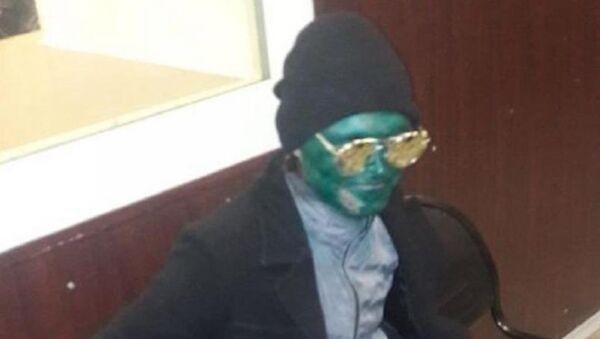 Зеленый человек ограбил женщину на железнодорожном вокзале Краснодара - Sputnik Абхазия