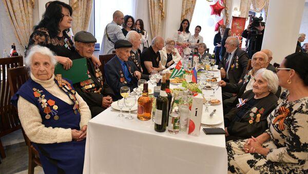 Одна на всех: как поздравили победителей двух войн в российском посольстве - Sputnik Абхазия