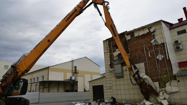 Снос здания ТЦ Зимняя вишня в Кемерово - Sputnik Аҧсны