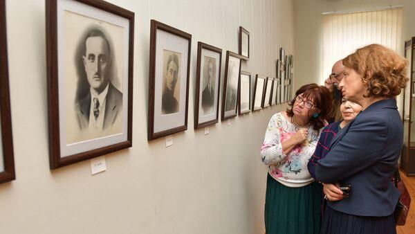 Выставка, посвященная 125-летию Нестора Лакоба в Государственном музее - Sputnik Абхазия
