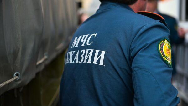 Смотр техники и снаряжения МЧС Абхазии на площади Свободы - Sputnik Абхазия