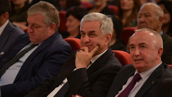 Научная конференция посвященная 25-летию Победы в ОВНА - Sputnik Аҧсны