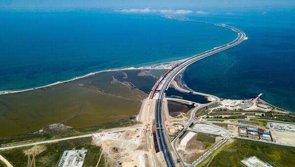 Начало автомобильного движения по Крымскому мосту - Sputnik Аҧсны