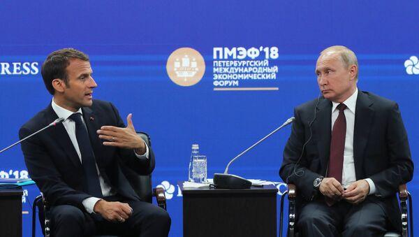 Президент РФ Владимир Путин и президент Французской Республики Эммануэль Макрон - Sputnik Абхазия