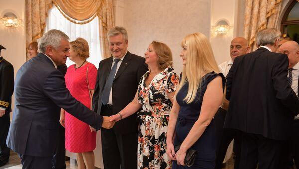Прием в посольстве России в Абхазии в честь Дня России - Sputnik Аҧсны