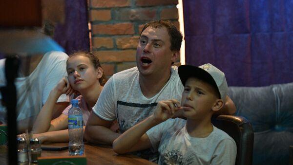 Sputnik открыл в Сухуме фан-зону для болельщиков - Sputnik Абхазия
