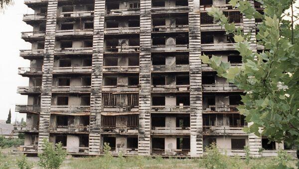 Разрушенный дом в городе Сухуме - Sputnik Абхазия