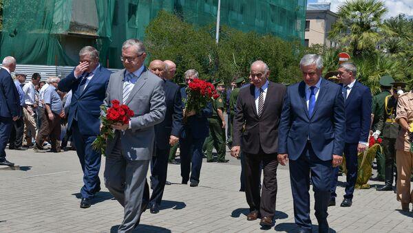 Митинг, посвященный Дню миротворческих сил Российской Федерации,  в Сухуме в четверг 21 июня - Sputnik Аҧсны