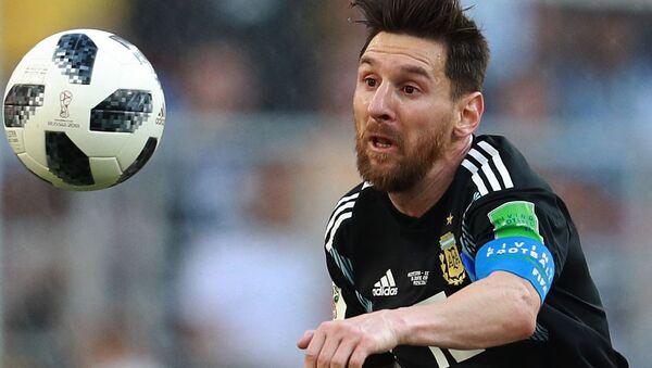 Лионель Месси в матче чемпионата мира по футболу между сборными Аргентины и Исландии - Sputnik Абхазия