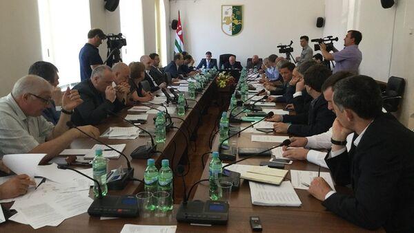 Заседание депутатов Народного собрания-Парламента Республики Абхазия - Sputnik Абхазия