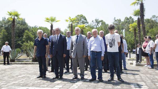 Рауль Хаджимба принял участие в памятных мероприятиях, посвященных 25-й годовщине Тамышского десанта - Sputnik Аҧсны