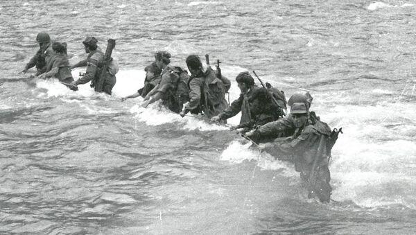Форсирование реки Гумисты. Июль 1993 г. - Sputnik Абхазия
