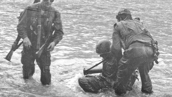Форсирование реки Гумисты. Июль 1993 г. - Sputnik Аҧсны