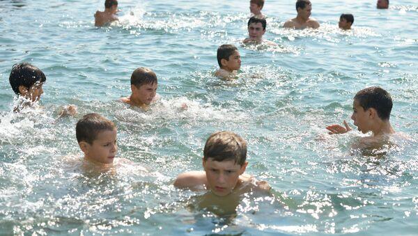 Тренировка боксеров на набережной - Sputnik Абхазия