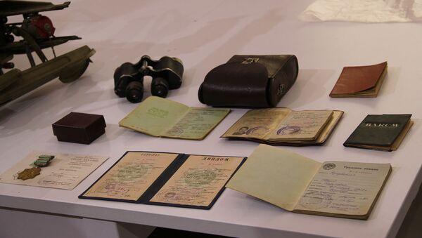 Ламара Кучуберия передала документы и вещи сына в Государственный музей Боевой Славы - Sputnik Аҧсны