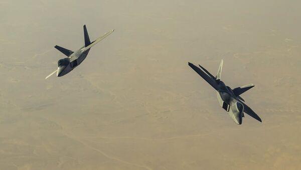 Американские истребители F-22 Raptor над территорией Сирии - Sputnik Абхазия