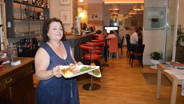 Виолетта Рудат в ресторане Абхазия в Берлине - Sputnik Аҧсны