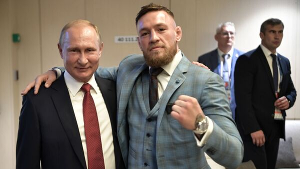 Президент РФ Владимир Путин и ирландский боец без правил Конор Макгрегор - Sputnik Абхазия