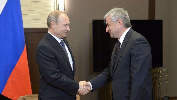 Президент РФ В.Путин провел встречу с президентом Абхазии Р.Хаджимбой - Sputnik Абхазия