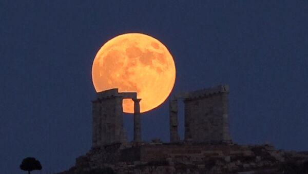Самое длительное затмение Луны в XXI веке - Sputnik Абхазия