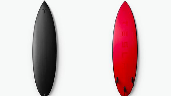 Американская компания Tesla выпустила лимитированную коллекцию досок для серфинга - Sputnik Абхазия