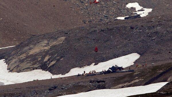 Крушение самолета Junkers Ju-52 авиакомпании JU-AIR вблизи горного курорта Флимс в Швейцарии. 5 августа 2018 title=Крушение самолета Junkers Ju-52 авиакомпании JU-AIR вблизи горного курорта Флимс в Швейцарии. 5 августа 2018 - Sputnik Аҧсны