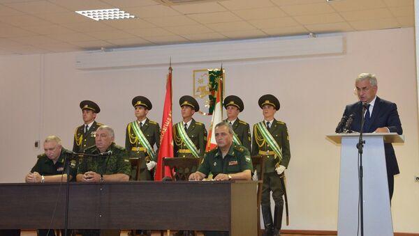 Президент представил Минобороны Абхазии нового начальника Генштаба - Sputnik Аҧсны