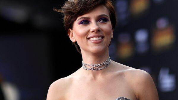Американская актриса Скарлетт Йоханссон на премьере фильма Мстители: Война бесконечности в Лос-Анджелесе - Sputnik Аҧсны