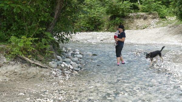 Вышедшая из берегов река Дгамшь разрушила мост в селе Джгерда - Sputnik Абхазия