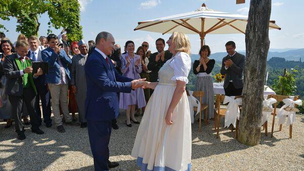 Президент РФ В. Путин посетил Австрию - Sputnik Абхазия