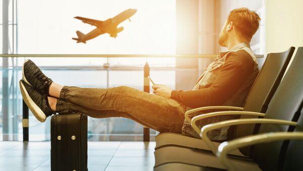 Пассажир в аэропорту - Sputnik Абхазия