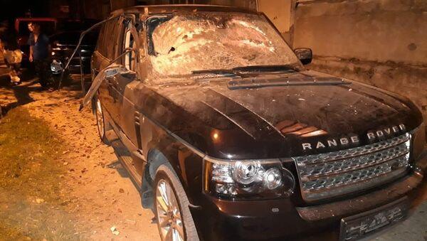 Обстрелянный внедорожник Range Rover в Гудауте - Sputnik Абхазия