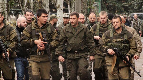Премьер-министр ДНР Александр Захарченко в городе Новоазовск - Sputnik Абхазия