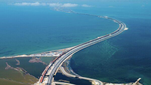 Автомобильное движение по трассе с автоподходами к Крымскому мосту. - Sputnik Абхазия