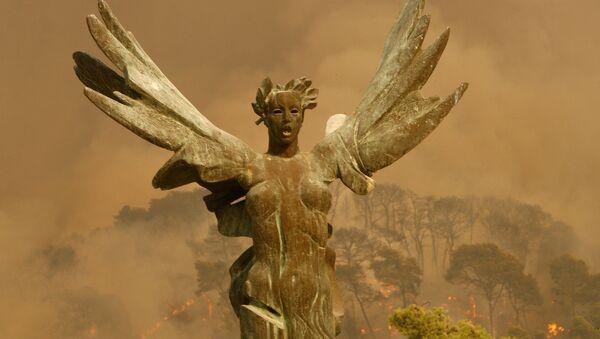 Статуя победы в Греции - Sputnik Абхазия