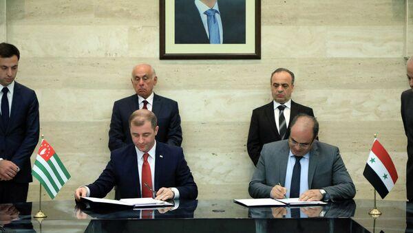 Абхазия и Сирия заключили Соглашение о беспошлинной торговле - Sputnik Аҧсны