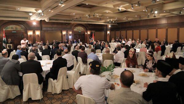 Встреча президента Республики Абхазия Рауля Хаджимба с сирийской абхазской диаспорой в Дамаске во время официального визита в Сирию. - Sputnik Абхазия
