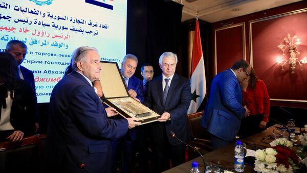 Президент Республики Абхазия Рауль Хаджимба на встрече с представителями деловых кругов Сирийской Арабской Республики - Sputnik Абхазия