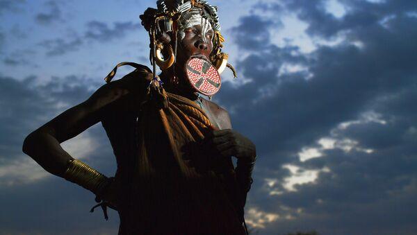 Женщина из племени мурси - Sputnik Абхазия