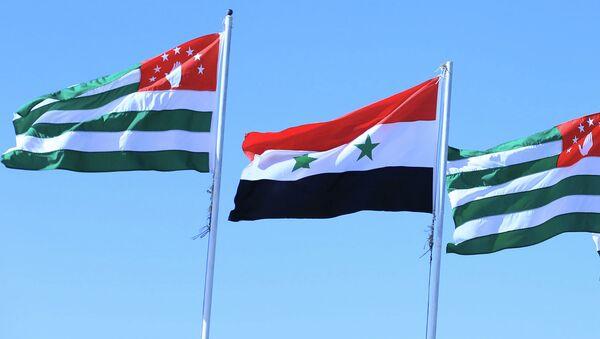 Флаги Сирии и Абхазии - Sputnik Абхазия