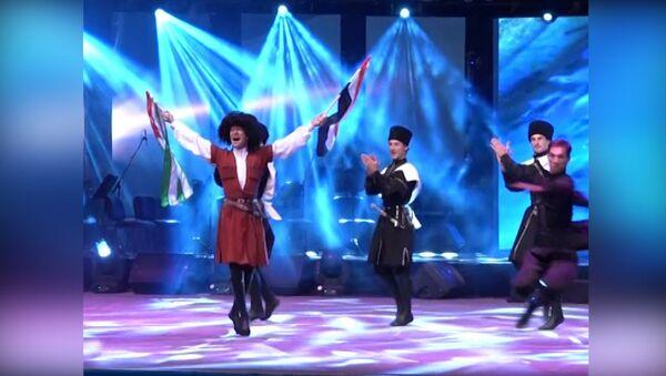 Кавказские танцы и речь президента: кадры с открытия ярмарки в Дамаске - Sputnik Абхазия