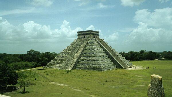 Пирамида Кукулькана в древнем городе майя Чичен-Ице на полуострове Юкатан в Мексике. - Sputnik Абхазия
