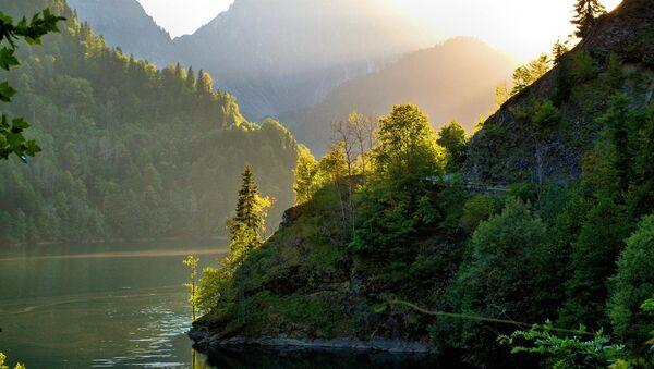 Озеро Рица - Sputnik Абхазия