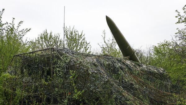 Самоходная пусковая установка (СПУ) оперативно-тактического ракетного комплекса Искандер-М - Sputnik Аҧсны