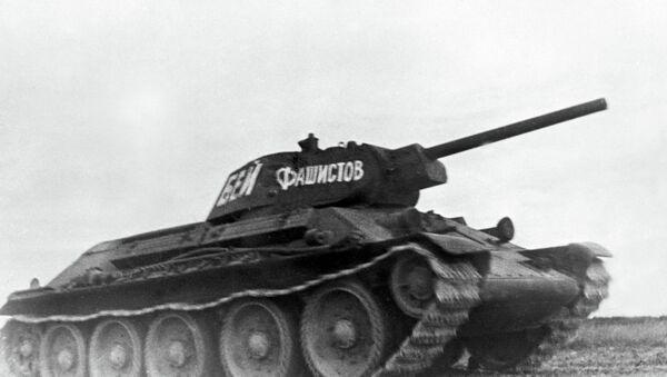 Советский средний танк Т-34, участвовавший в боях Великой Отечественной войны 1941-1945 гг. Центральный музей Вооруженных Сил СССР в Москве. - Sputnik Абхазия