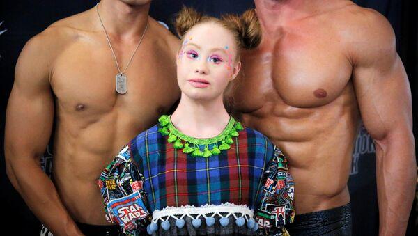 Австралийская модель Мадлен Стюарт на Неделе моды в Нью-Йорке, США - Sputnik Абхазия